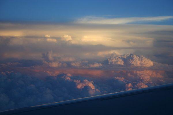 couché de soleil en vol