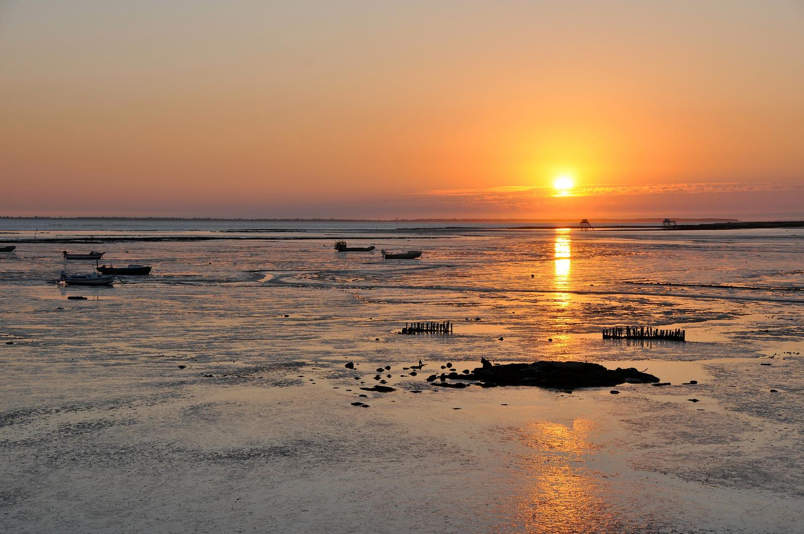 couché de soleil sur l'océan.