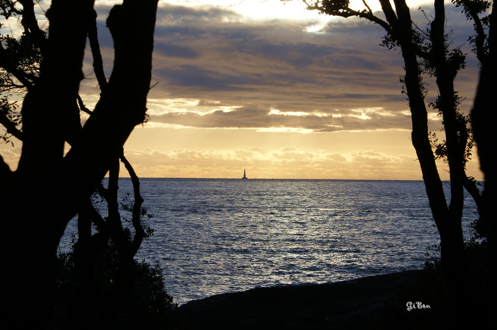 Couché de soleil sur phare de Cordouan