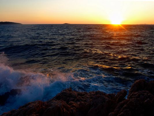 Coucher de soleil a la mer ... Sonnenuntergang am Meer ...