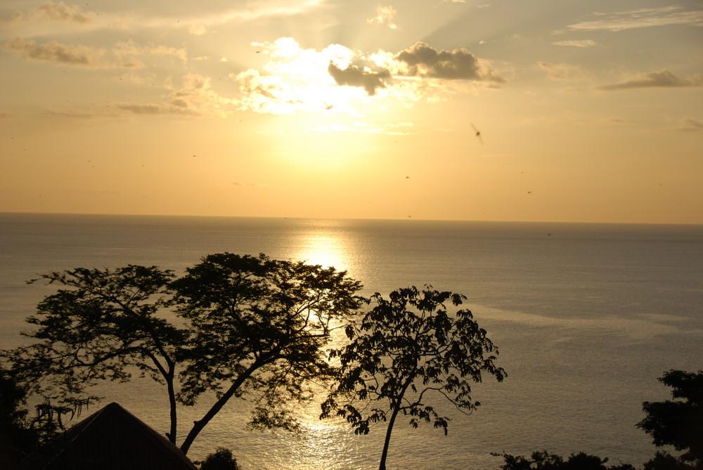 Coucher de Soleil à Ocotal, cote Pacifique Costa rica.