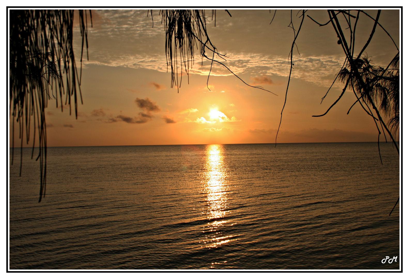 coucher de soleil à ST JOSEPH sur l'île d'Ouvea