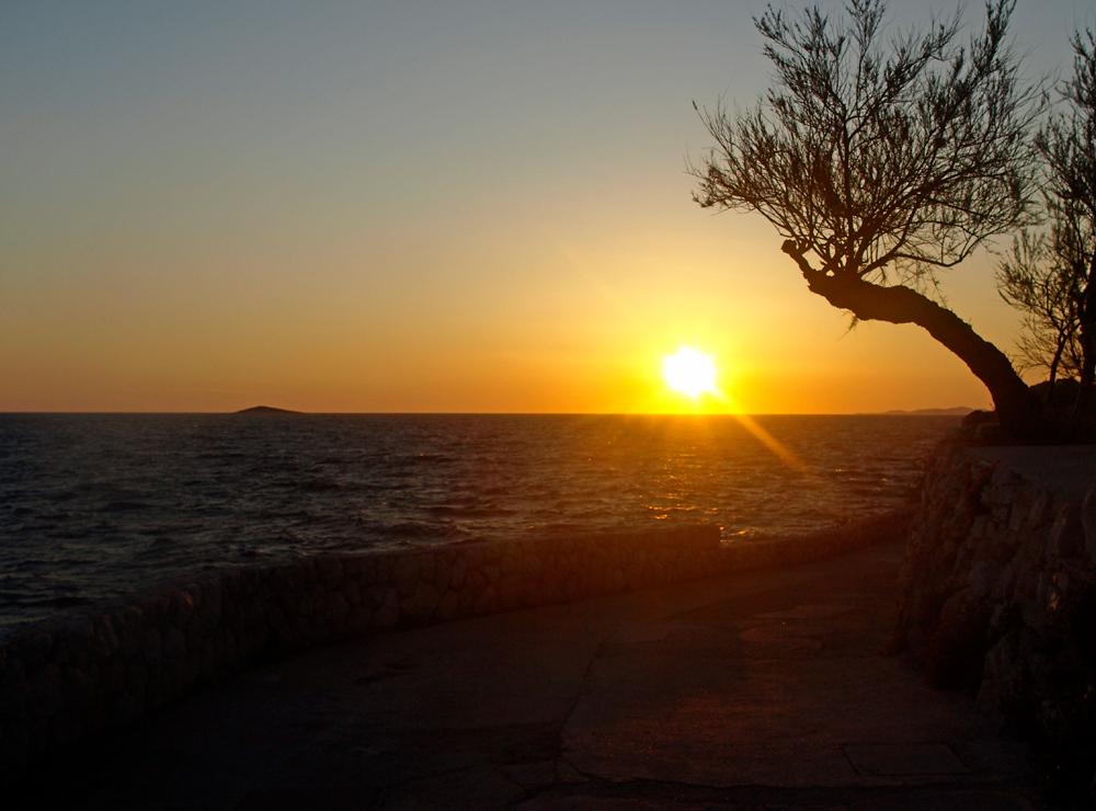 Coucher de soleil au bord de la mer II ... Sonnenuntergang am Meer II