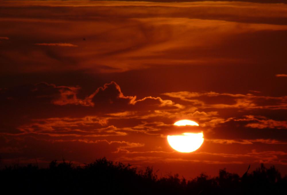 Coucher de soleil en direction des SABLES d'Olonne