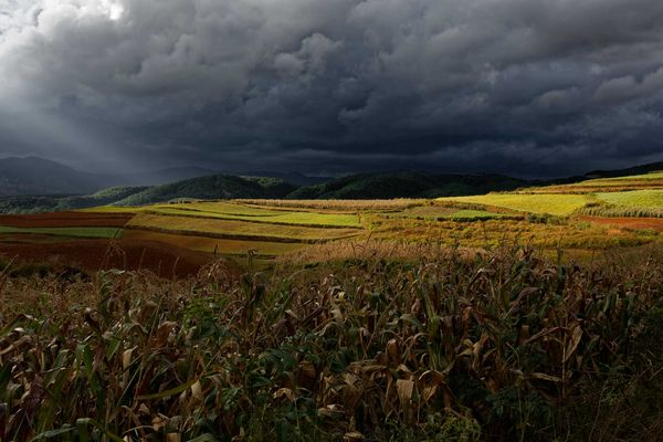 Coucher de Soleil sur Dongchuan, Yunnan, Chine.