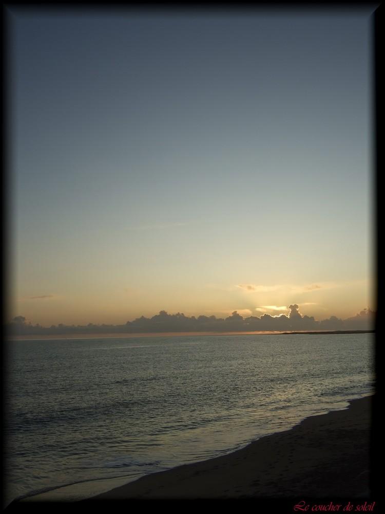 Coucher de soleil sur l' océan