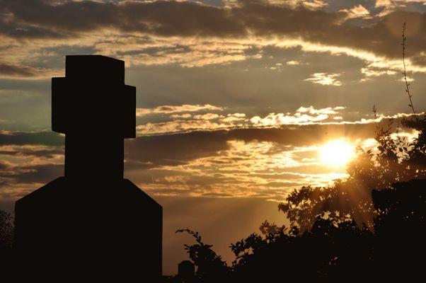Coucher de soleil sur la croix