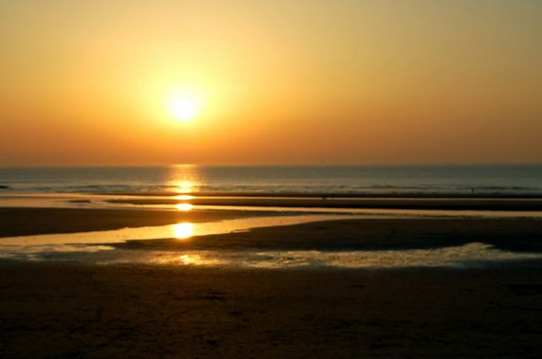 """coucher de soleil sur la """"digue de WIMEREUX """""""