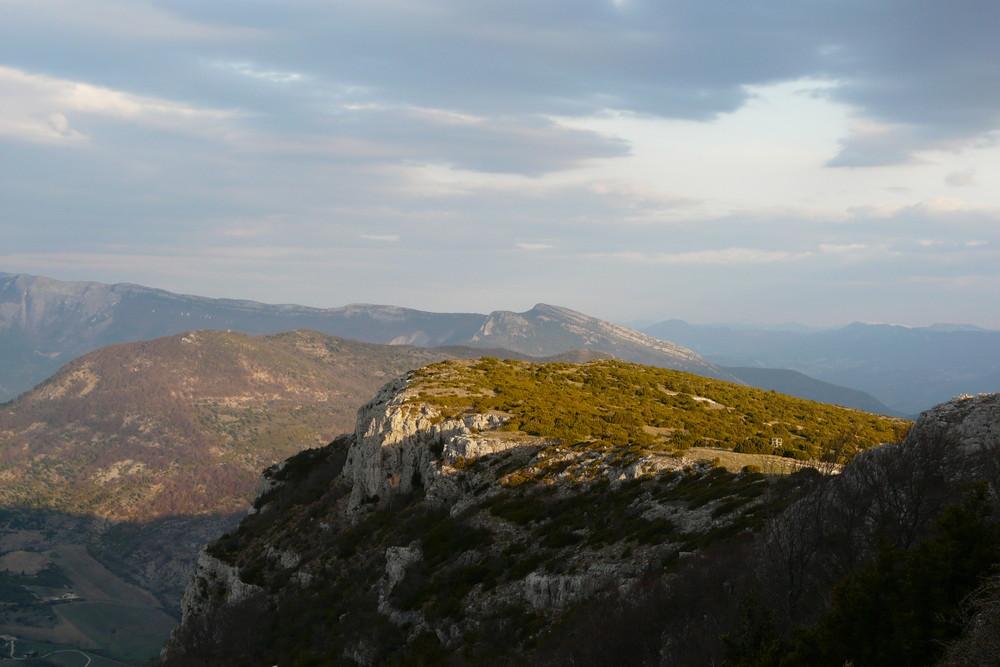 Coucher de soleil sur la Montagne d'Angèle (Drôme Provençale)