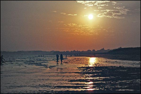 Coucher de soleil sur la plage de Penvins MORBIHAN