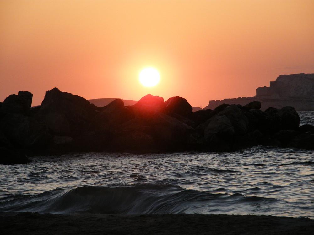 coucher de soleil sur la plage des profètes