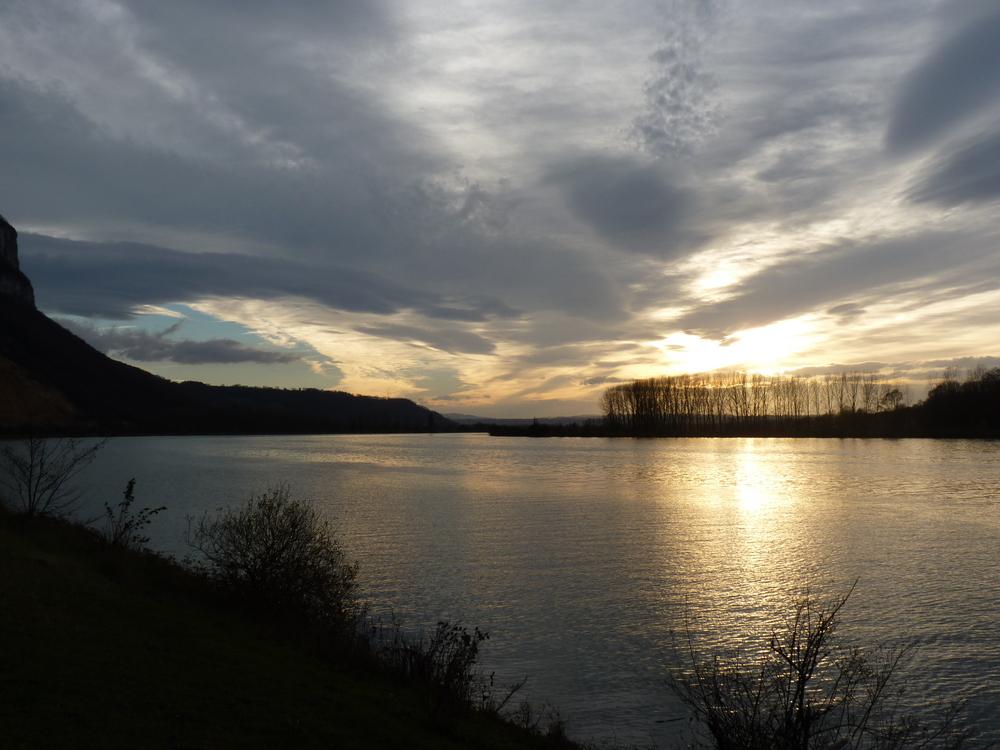 coucher de soleil sur le Rhone.