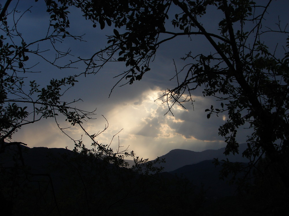 Coucher de soleil sur les monts d'Ardèche