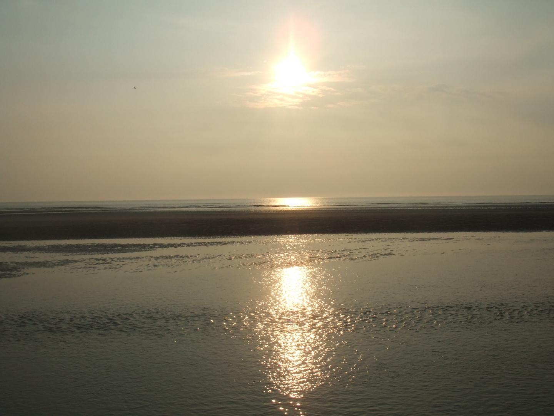 Coucher de soleil sur une plage du Nord.