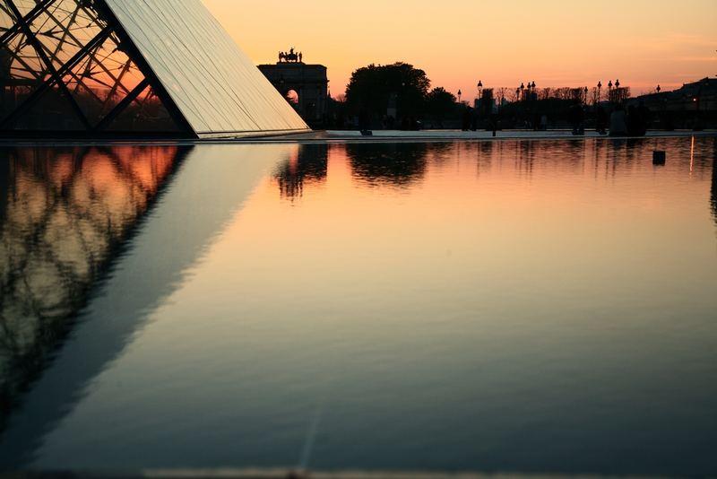 Coucher d'soleil au Louvre