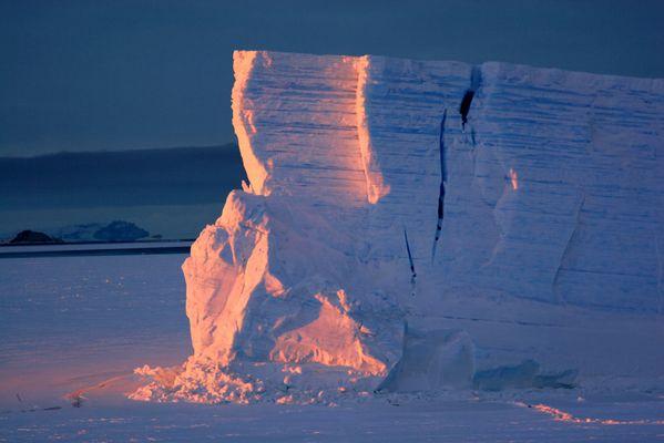 Couleur d'une soirée polaire en Antarctique