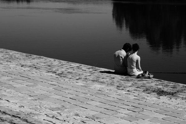 Couple secret en bord de Loire