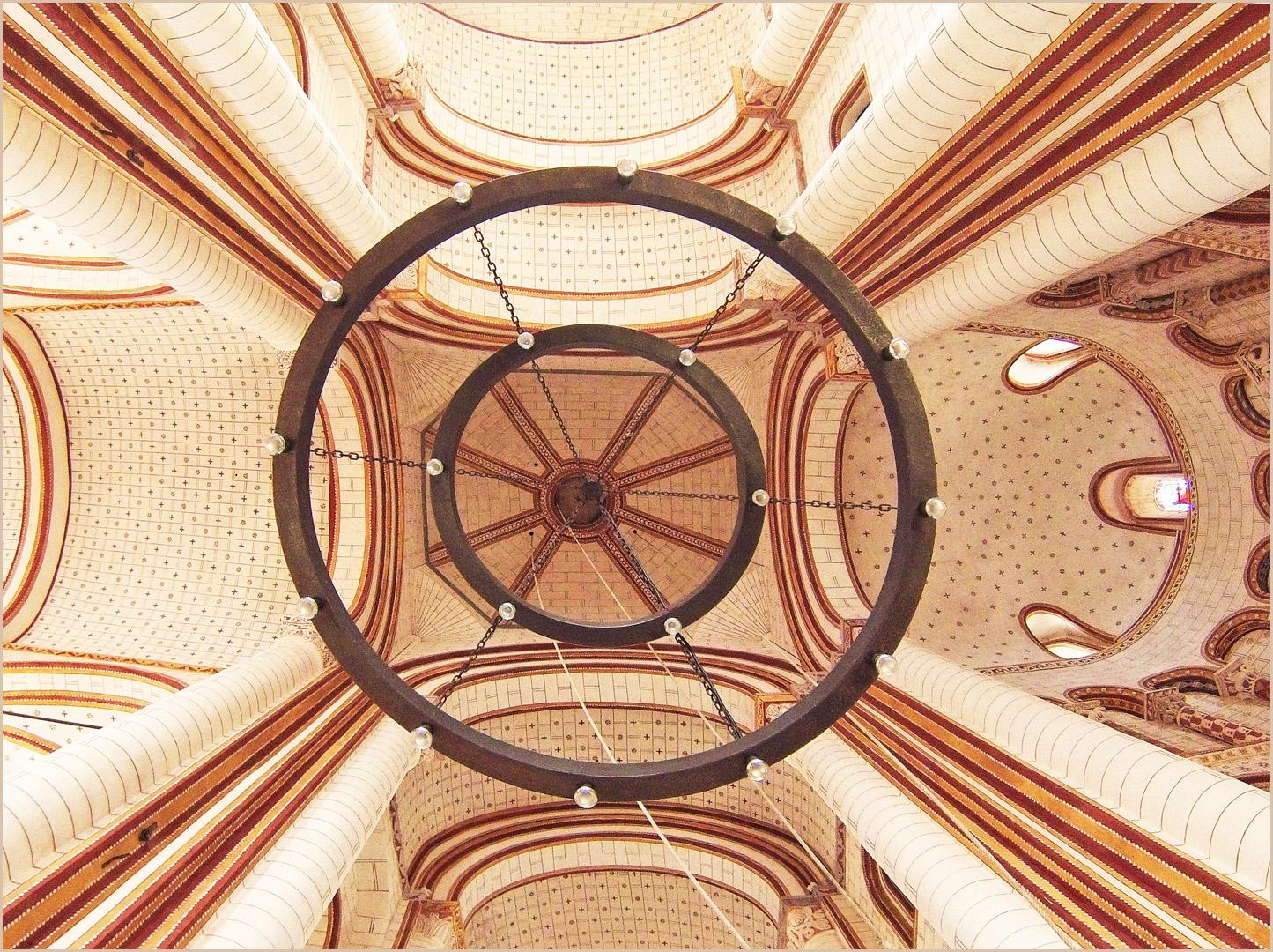 Coupole du clocher  --  Collégiale Saint-Pierre de Chauvigny  (XIIème)