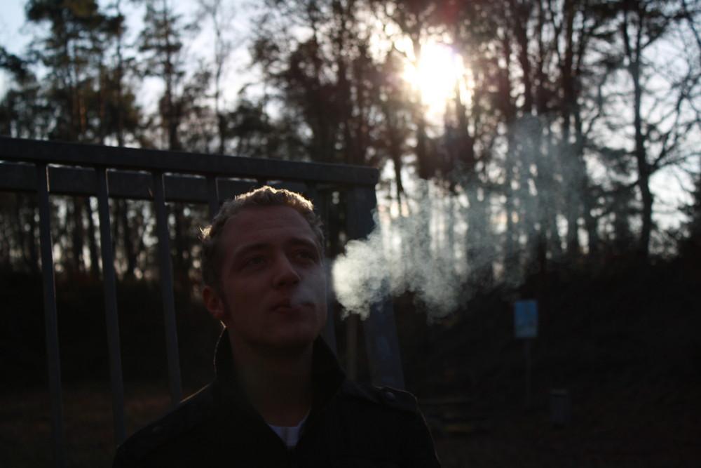 Cousin beim rauchen ==oOO