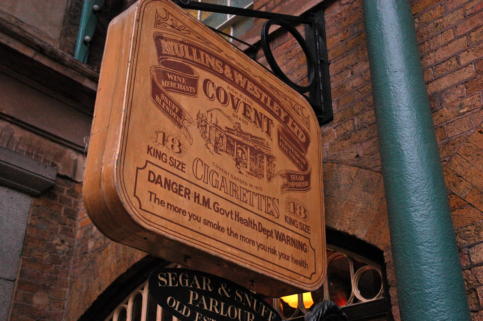Covent Garden - Covent Sign