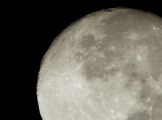 cratères de la lune,lumix FZ72