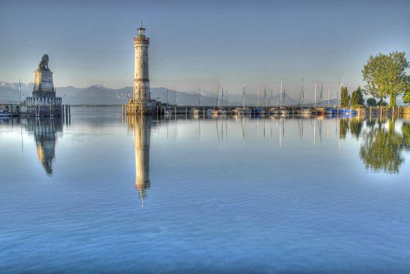 Crazy Lighthouse