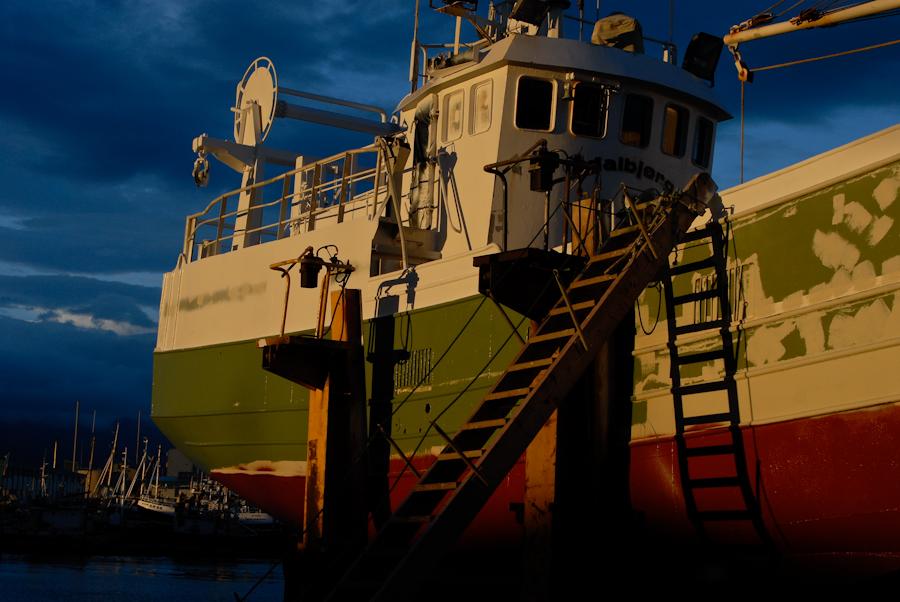 Crépuscule sur le port