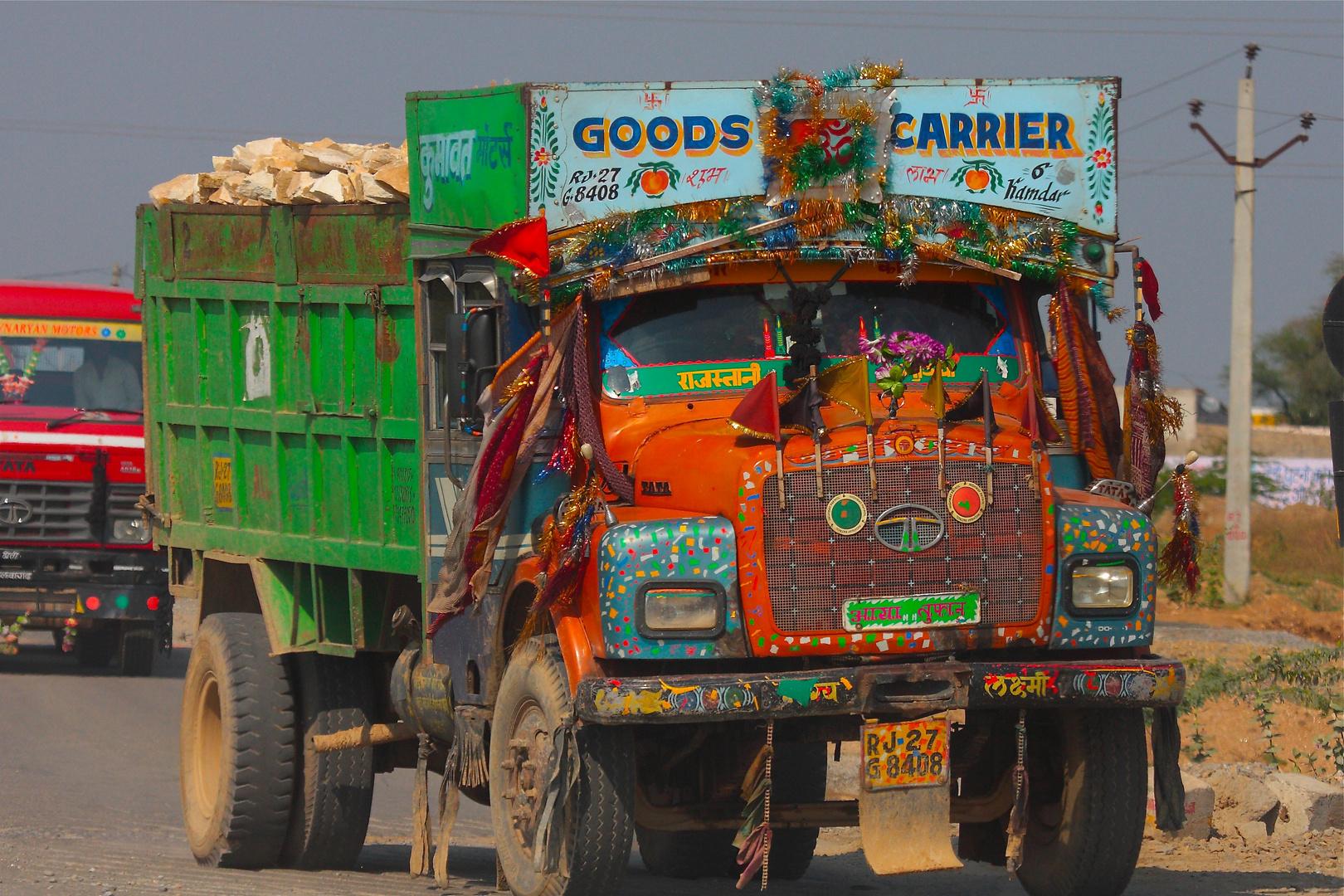 Croisement sur les routes du Rajasthan.