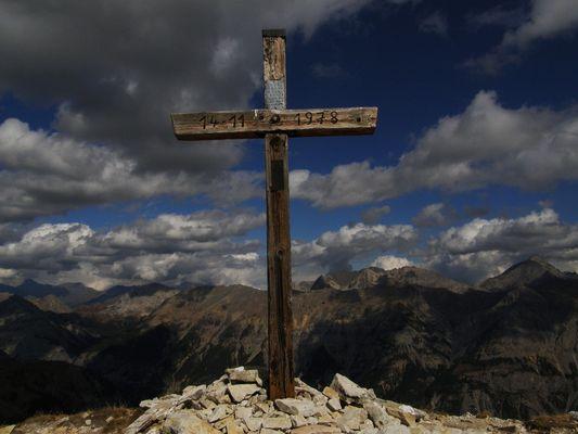 croix en montagne