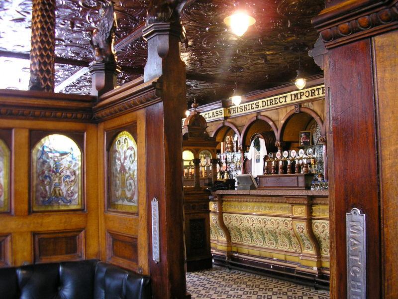 Crown Pub, Belfast