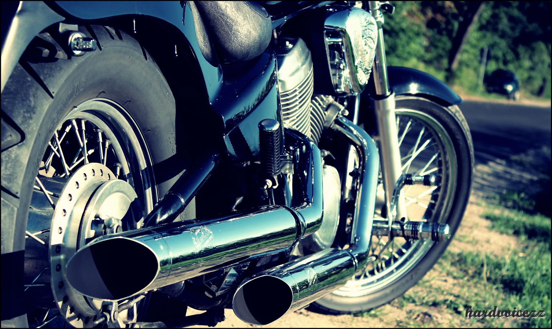 Cruising motorcycles