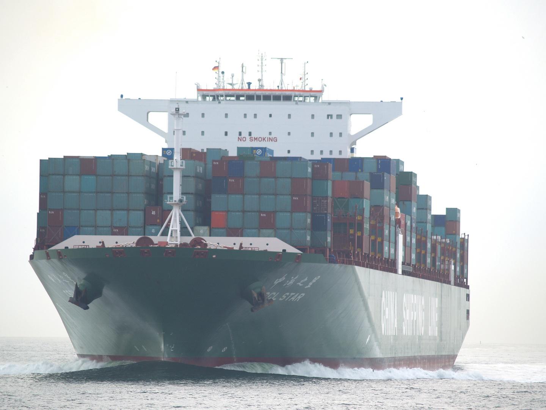 CSCL Star auf dem Weg nach Hamburg, vor Neuwerk