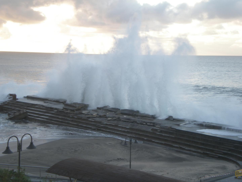 Cuando el mar golpea