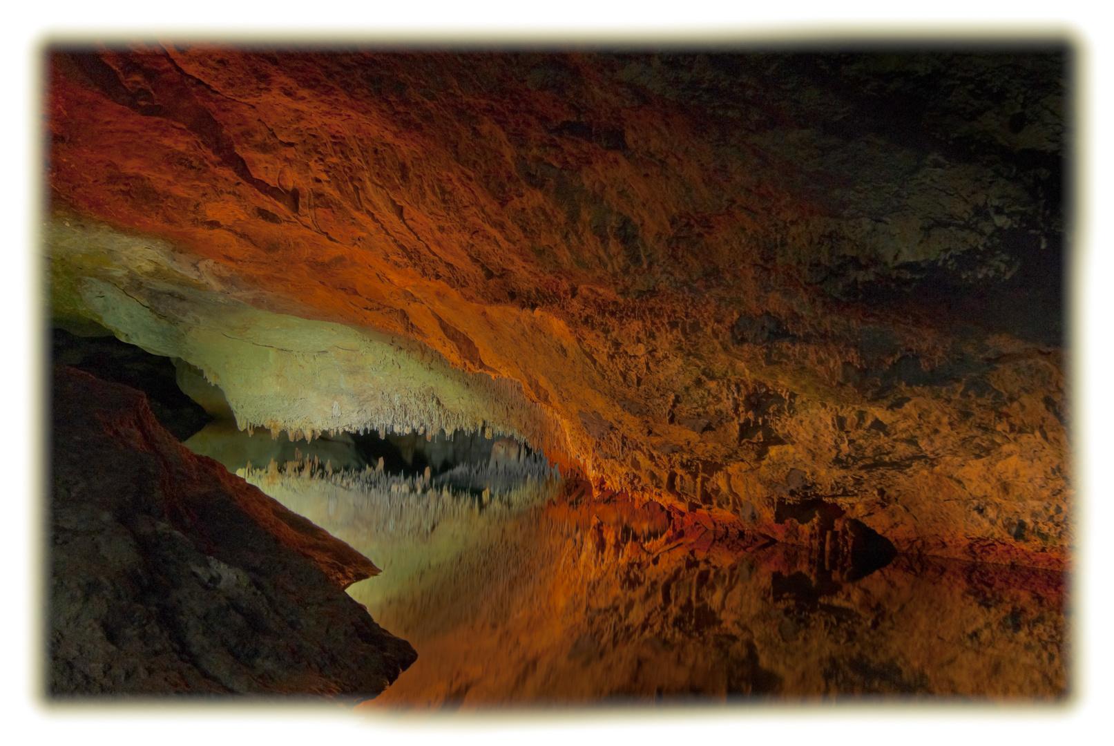 cueva genovesa