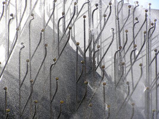 curieuse fontaine publique en pays balte