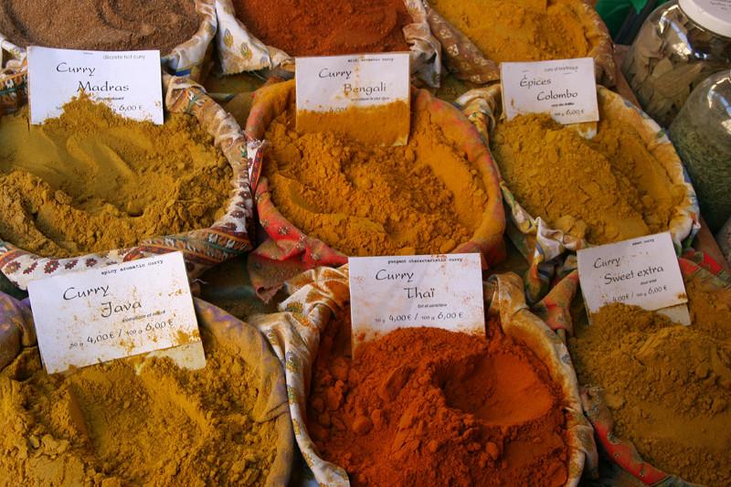 Curry sur le marché de Sarlat