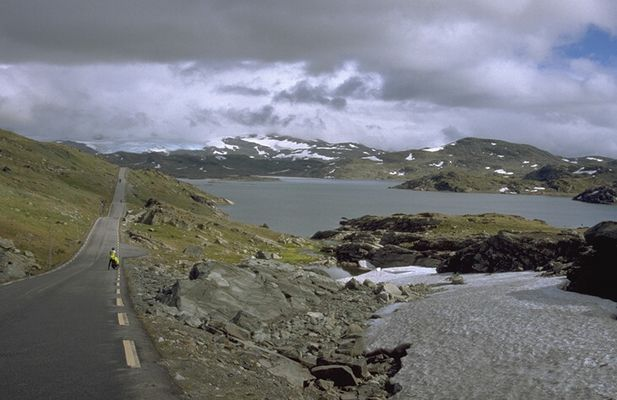 Cycling over Sognefjell