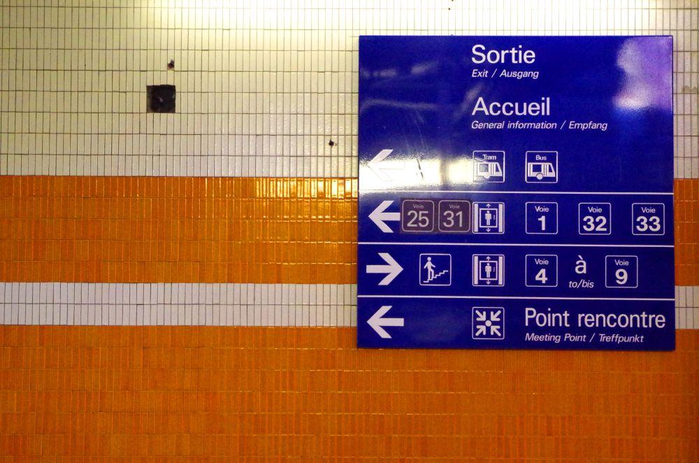 Da gehts lang! (Bahnhof Straßburg)