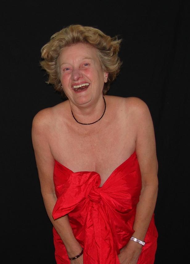 da lacht sie drüber - im nächsten Jahr wird sie 70