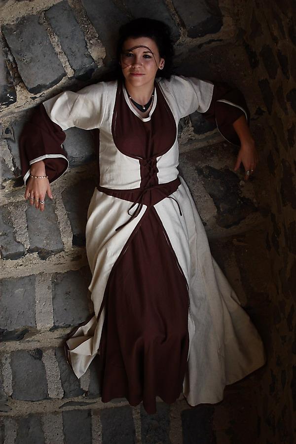 Da legst die nieder junges Burgfräulein..