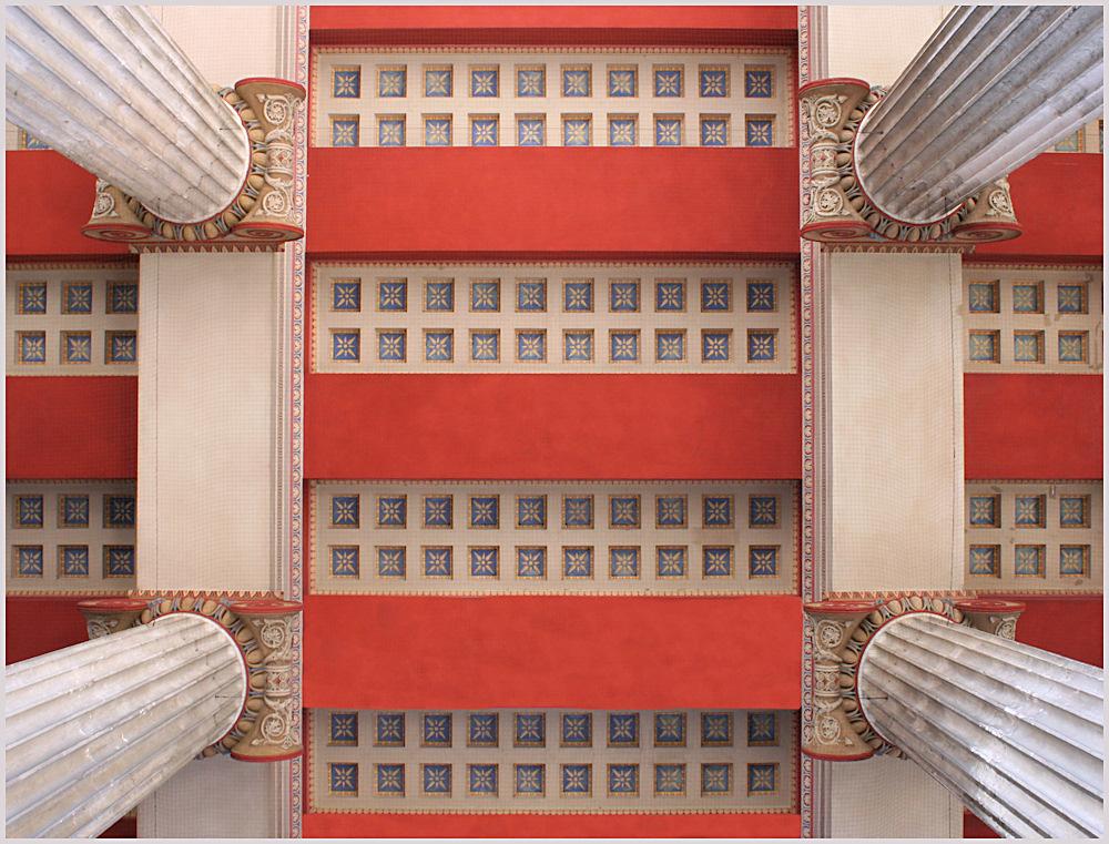 Dach der Propyläen in München