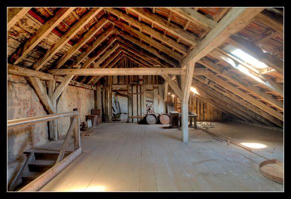 Dachboden einer Spiegelfabrik