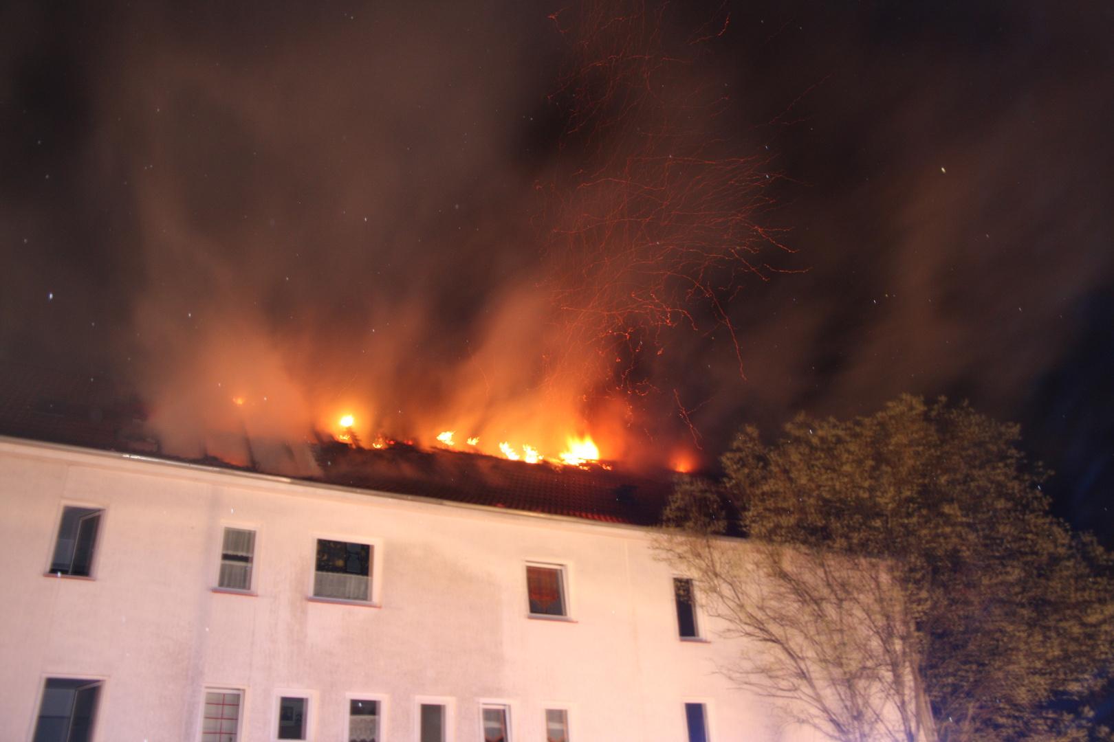 Dachstuhlbrand nach Brandstiftung (2)