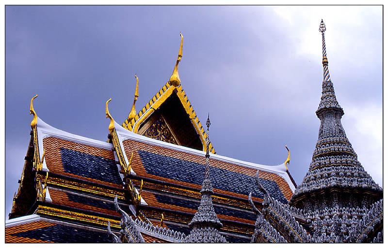 Dächer im Königspalast - Bangkok, Thailand