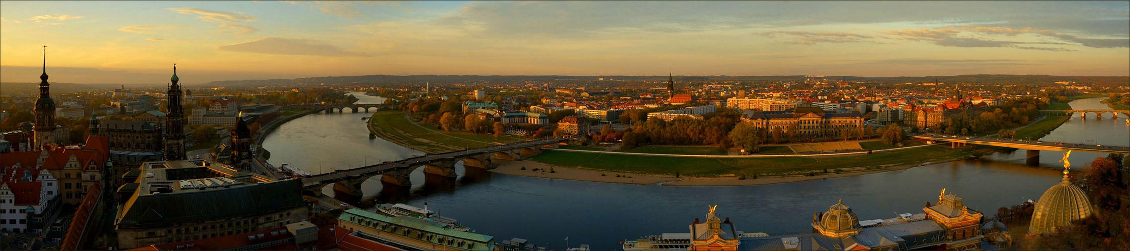 Dämmerlicht über Dresden