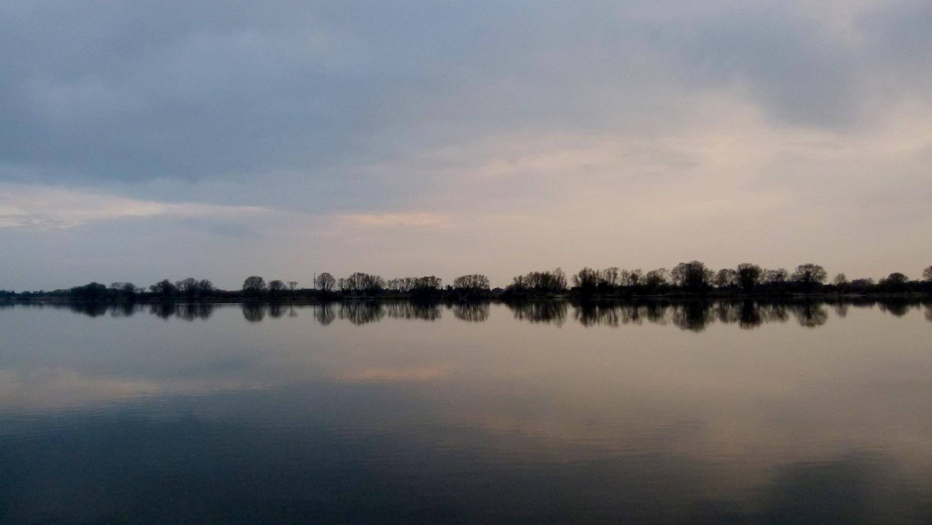 Dämmerung an der Elbe bei Geestacht