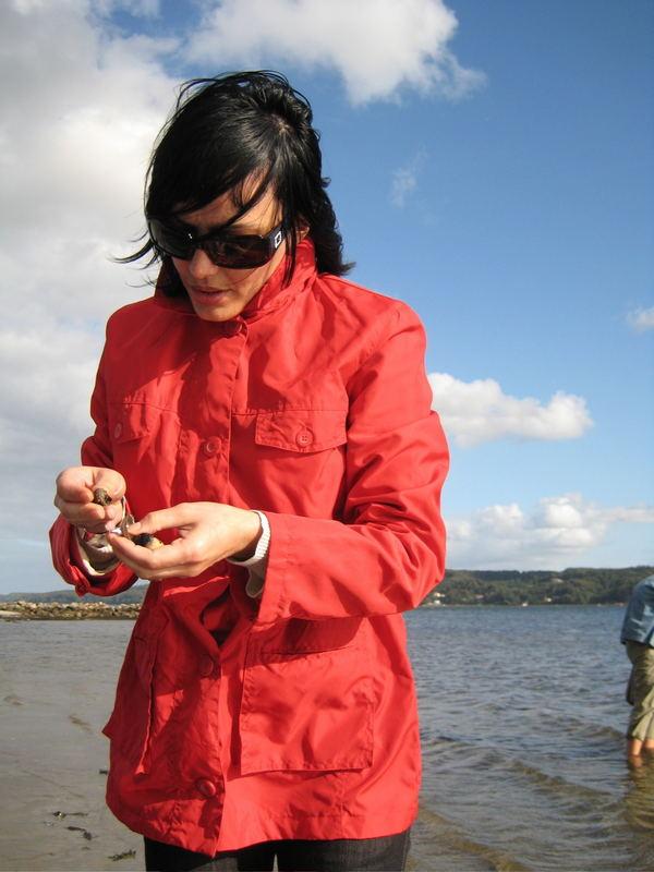 Dänemark, Vejle Fjord, meine Frau als unfreiwilliges Model...