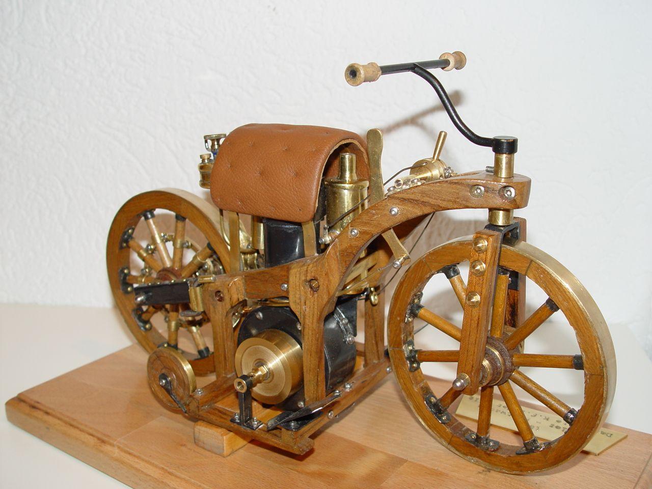 Daimler - Reitwagen - Erstes Motorrad - Funktionsmodell