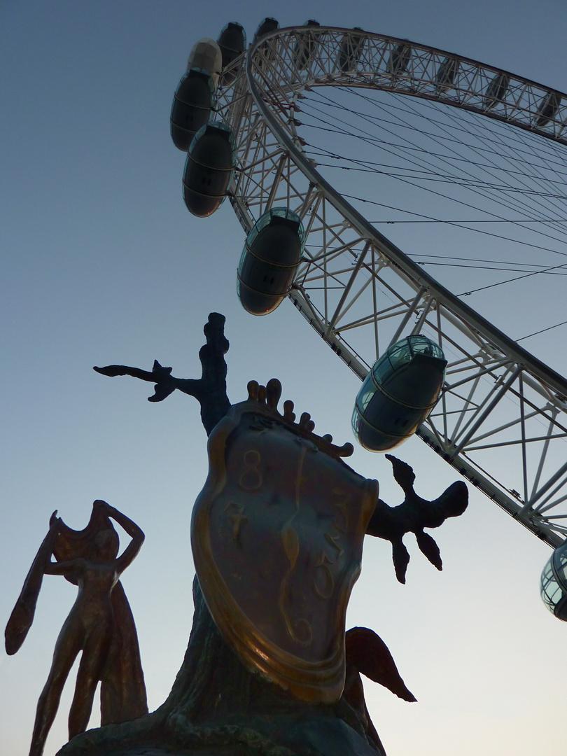 Dali Ausstellung in London 2009