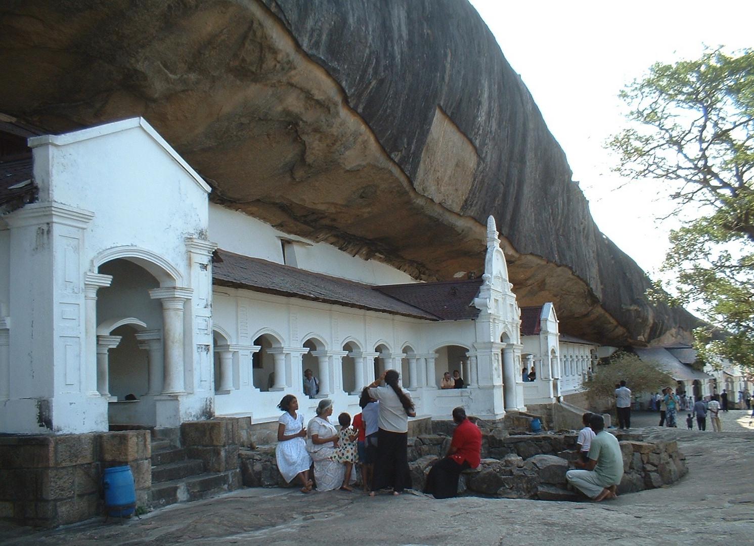 Dambulla; Buddhist temple & monastry
